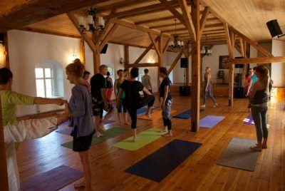Zajęcia jogi w BioRezydencji